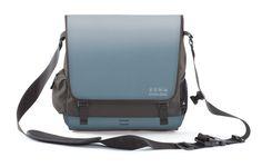 EVENaBAG BLUE -  kannst du als Tasche, gepolsterten Sitz mit Rückenlehne, Liegefläche, Reisenecessaire mit Laptopablage und natürlich stylische Umhängetasche benutzen!