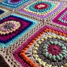 Textured circles ~ free pattern for this square