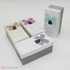 Παραλληλόγραμμα χάρτινα κουτιά με φιόγκο Decorative Boxes, Bows, Home Decor, Arches, Decoration Home, Room Decor, Bowties, Home Interior Design, Decorative Storage Boxes