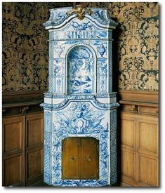 Stockholms Slott, 18th century Manor Sweden Gustavian Tiled Stove - those Swedes certainly know how to make a tiled stove..