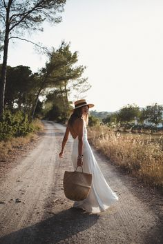 SUNSET IN IBIZA - Lovely Pepa by Alexandra. Inspiration Mode, Photoshoot Inspiration, Beach Photography, Creative Photography, Ibiza, Fashion Mode, Frock Fashion, 2000s Fashion, Modest Fashion