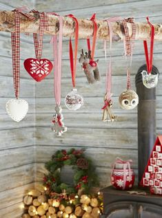 There is no better moment than Christmas time to get your feet wet when it comes to trying out Scandinavian traditions. Just like in other countries, Scandinavian Christmas celebrations have become. Hygge Christmas, Noel Christmas, Rustic Christmas, All Things Christmas, Christmas Crafts, Christmas Ornaments, Christmas Tables, Modern Christmas, Frugal Christmas