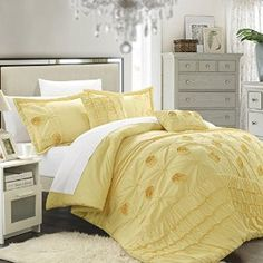 Bedding looks similar to Belle's Dress. Beauty and the Beast Bedroom