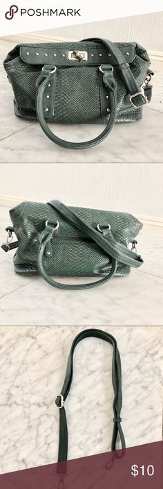 Hunter Green Snake Print Pattern Handbag Hunter green, snake print pattern handbag with removable/adjustable strap. Outside compartment with additional compartments inside. Gold stud detail and magnetic closure. Lightly used. Like NEW. Bags