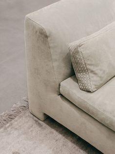 6 Qualified Tips: Upholstery Living Room Gray custom upholstery upholstered headboards.Vintage Upholstery Modern upholstery ideas step by step. Living Room Upholstery, Upholstery Tacks, Upholstery Cushions, Upholstery Cleaner, Furniture Upholstery, Furniture Design, Pillows, Shade Tent, Bottega Veneta