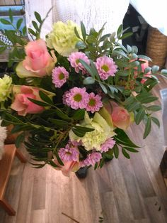 FOLLOW VÄRLDENS BLOMMOR ON: PINTEREST FACEBOOK TWITTER INSTAGRAM YELP GOOGLE PLUS GOOGLE MAPS YOUTUBE WWW.VARLDENSBLOMMOR.SE FLOWERSHOP SWEDEN
