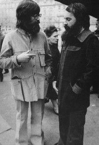 Patrick Hollington (à gauche) et Michel Schreiber, début des années 70. Source : http://lechouandesvilles.over-blog.com/article-tout-est-relatif-103064533.html