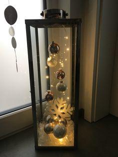 Christmas Decorations For The Home, Christmas Ornament Crafts, Diy Christmas Tree, Christmas Centerpieces, Xmas Crafts, Christmas Projects, Christmas Tree Decorations, Christmas Holidays, Christmas Lanterns Diy