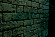 """Another brick in the wall"" f/ 11 V: 1/100 ISO: 200"