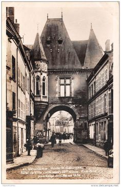 VENDOME Porte st georges Hotel de ville XVe siecle mon hist Passage modifie en…