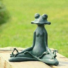 Yoga Frog Whimsical Garden Decor -meditating frog statue makes a whimsical addition to garden decor Frog Statues, Garden Statues, Outdoor Statues, Garden Sculptures, Zen, Meditation Garden, Yoga Garden, Paz Interior, Yard Art