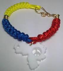 Resultado de imagen para pulseras de venezuela Macrame Earrings, Beaded Bracelets, Tennis Grips, Tennis Accessories, Practical Gifts, Unusual Gifts, Beautiful Eyes, Different Colors, Band