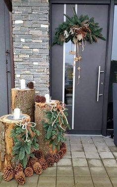 120 beautiful christmas porch decorating ideas - page 3 > Homemytri.Com Noel Christmas, Winter Christmas, Christmas Wreaths, Christmas Crafts, Christmas Ideas, Christmas Inspiration, Porch Christmas Tree, Outdoor Christmas Planters, Indoor Christmas Lights