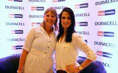 Nossa querida Bruna Pontes, Colaboradora do Blog Mãe Vaidosa com a Adriana do Blog Mães Brasileiras no Evento da Duracell em São Paulo #tecnologiaduracell