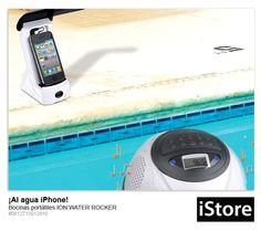 Escucha tu música de iPhone /iPad inalámbricamente desde el altavoz flotante, con rango de distancia de 30 metros, para que mientras tu iPhone está seguro fuera del agua, tienes toda su música flotando junto a ti en una piscina, jacuzzi o hasta en la playa. Funciona con transmisor FM y puedes transmitir música hasta a 10 de estas bocinas desde un sólo puerto.
