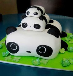 Happy Birthday Cute Panda Cake For Kids With Your Name.Print Name on Panda Cake.Name Birthday Cake For Kids.Print Name on Funny Birthday Wishes Cake Picture Pretty Cakes, Cute Cakes, Beautiful Cakes, Amazing Cakes, Cakes Pokemon, Creative Cakes, Creative Food, Bolo Panda, Panda Cakes