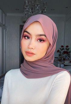 Modern Hijab Fashion, Hijab Fashion Inspiration, Abaya Fashion, Modest Fashion, Love Fashion, Moslem Fashion, Simple Hijab, Casual Hijab Outfit, Hijabi Girl