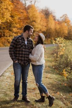 Casual Gatineau Park, Ottawa couples session by Sonia V Photography. Engagement photo shoot outfit ideas, fall colours, wild at heart.