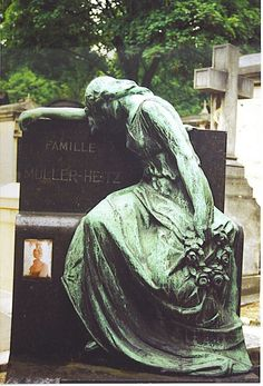 LuLu Weaver...Pere Lachaise, Paris