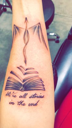 Doctor who, book, Eragon / dragon tattoo - Doctor who, book, Eragon / dragon tattoo - Mini Tattoos, Little Tattoos, Body Art Tattoos, Sleeve Tattoos, Star Tattoos, Celtic Tattoos, Tatoos, Tattoo Buch, Book Tattoo