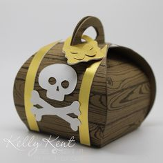 Punch Art – Jake the Pirate Curvy Keepsake Pirate Treasure Box. Die Cut Boxes, Kids Party Planner, Treasure Boxes, Pirate Treasure, Treasure Chest, Paper Toy, Cute Box, Pirate Theme, Diy Box