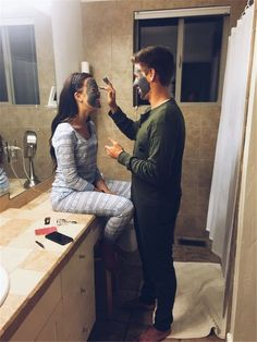 Cute And Sweet Relationship Goal All Couples Should Aspire To; Lov… Cute And Sweet Relationship Goal All Couples Should Aspire To; Photo Couple, Love Couple, Couple Photos, Cute Couple Things, Sweet Couple Pictures, Playful Couple, Couple Goals Teenagers Pictures, Cute Couple Pictures Tumblr, Couple Ideas