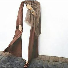 Abaya cardigan is a new fashion trend that is trending nowadays in the street style. The veiled women always love to wear Abaya during the Ramadan month because Islamic Fashion, Muslim Fashion, Modest Fashion, Girl Fashion, Fashion Outfits, Fasion, Brown Fashion, Style Fashion, Hijab Style