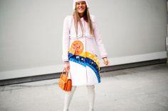 Semana de la moda Paris enero/2014 Ella es la reina de la extravagancia 2.0, la que nunca nos defrauda con sus elecciones estéticas: ella es Anna Dello Russo.