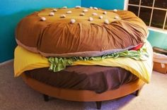 Cheeseburger Waterbed The Hamburger Museum currently has two burger beds. One is the creation of Hamburger Harry, his Cheeseburger Water Bed is superb. Hamburger Bed While Kayla Kromer's bed … Unusual Furniture, Funky Furniture, Furniture Design, Geek Furniture, Furniture Ideas, Furniture Upholstery, Painted Furniture, Hamburger Bed, Hamburger Costume