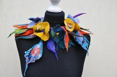 Beautiful necklace, collar, scarf, nuno felt, felt, silk, wool, collar, leaves, flowers, art