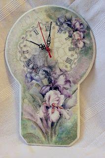 do-deco: Sierpniowy mix kwiatowy Clock Craft, Diy Clock, Altered Boxes, Altered Art, Decoupage Paper, Decoupage Ideas, Handmade Clocks, Christmas Decoupage, Stencil Art