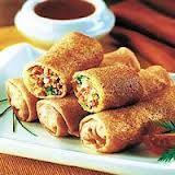 Crocantes y deliciosos rollos rellenos de Pollo, Jamón, repollo y salsa agridulce  que  da el mas rico  sabor.