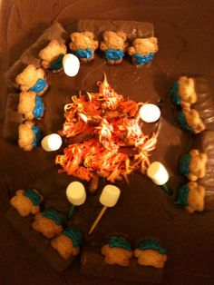 New girls camping party cake cub scouts Ideas Tiger Scouts, Cub Scouts, Girl Scouts, Girl Camping Parties, Camping Theme, Campfire Cake, Campfire Desserts, Arrow Of Lights, Friend Birthday