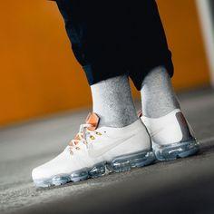 buy online 24464 4a4d7 OFF WHITE x Nike Air Vapormax Nike Free Skor, Nike Skor Kläder, Outfits  Arbete
