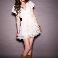 Short boho wedding dress style