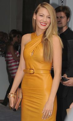 Cele|bitchy | Blake Lively in mustard Gucci for Milan Fashion Week: gorgeous or unflattering?