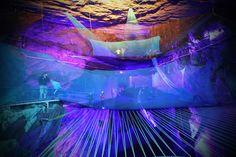 Bounce Below - Um incrível Trampolim nas cavernas do Pais de Gales