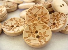 Wood Buttons with Flower Crafted, Wooden buttons, WB10075 (6 in 1 set) woodburning!!