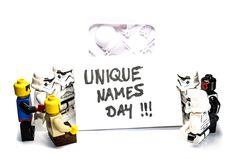 8. März 2016: Als dritter Tag der International Celebrate Your Name Week wird der Tag der ausgefallenen Namen (engl. Unique Names Day) gefeiert.