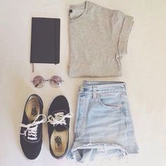 A cute outfit to go if your going to a place on an airplane and it's comfortable