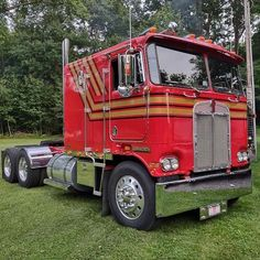 "Old School Trucking Photos🇺🇸 on Instagram: ""Red and Gold K100. PC📸: Jay Keefer #trucksofinstagram#trucksofamerica #semitrucksofamerica #oldschooltruckingphotos #goodoledays…"" Kenworth Trucks, Peterbilt, Semi Trucks, Big And Beautiful, Old School, American, Rigs, Vehicles, Usa"