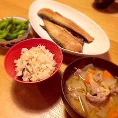 うまうま - 13件のもぐもぐ - 炊き込みご飯と豚汁 by asa0618guri