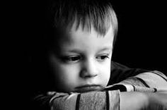 Many doctors think fibromyalgia and childhood trauma are related. But you tell us, are your fibromyalgia and childhood trauma linked? Depresion Infantil, Reactive Attachment Disorder, Sad Child, Child Life, Mal Humor, Funny Humour, Education Positive, Parents, Bed Wetting