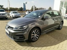 "2019 Volkswagen Golf 1.4 TSI For Sale Estimated instalment from R5,900 per month* Mileage: 36,476km – R359,900 Extras – Volkswagen R-Line ""Exterior"", Park Assist with Park Distance, Ext. mirrors, power-adjust folding, LED headlamps incl. dynamic cornering with LED rear combination lamps, 17″ Madrid alloy wheels, Lights + Vision package, Radio ""Composition Media"" Based on 72 […] The post 2019 Volkswagen Golf 1.4 TSI Comfortline DSG appeared first on TrackRecon℠ Classifieds."