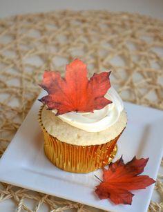 Edible Maple Leaves  Dark Burnt Orange/Red 1 dozen  Cake