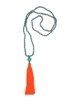 LOVE THIS tassel necklace. Perfect pop of color.