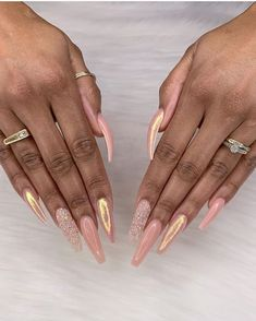 Best Summer Nails 2019 - 43 of the Best Summer Nails - Fav Nail Art Aycrlic Nails, Hair And Nails, Glitter Nails, Pure Nail Bar, Gorgeous Nails, Pretty Nails, Crome Nails, Nails Yellow, Best Acrylic Nails