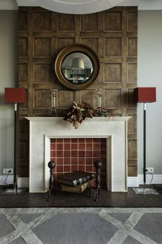Красивый декоративный камин #декоративныйкамин #коричневый #обои