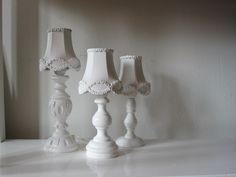 witte lampenkapjes in porselein-look (verkocht)