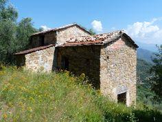 Rustico for sale in Liguria, near Dolceacqua with beautiful views